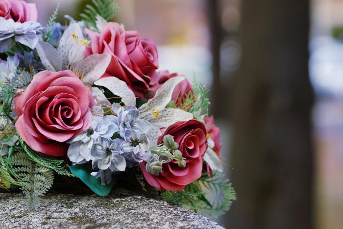 enterrement - fleurs artificielles